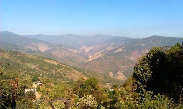 Widoki w okolicach Mindat. fot. Życie w tropikach